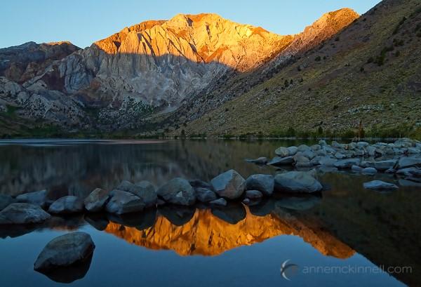 Mükemmel ve Keskin Doğa Manzara Yansıma ve Şelale Fotoğrafları