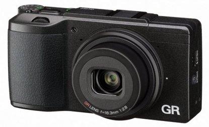 Ricoh GR II fotoğraf makinesi Gezginler için en iyi fotoğraf makinesi